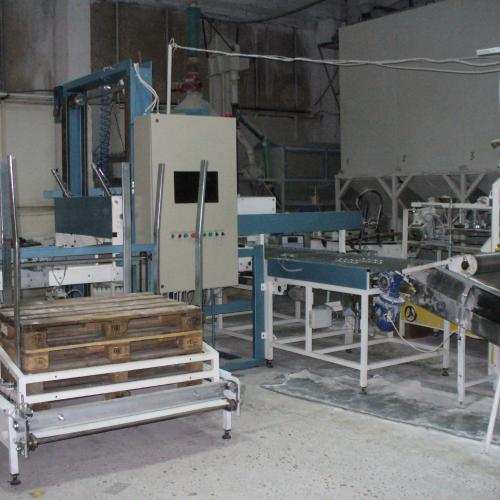 Palletizers for flour